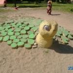 Кутепова 8, за год черепаха не раз лищалась отдельных своих составлюящих