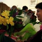 Посетители не скупились на цветы и поздравления