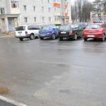 Парковка у подъезда