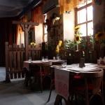 столики ресторана Изба