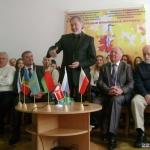 А.Ярмоленко и другие члены жюри конкурса ВИА имени В.Мулявина