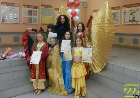 Танцовщицы клуба «Бахор» на фестивале в Минске