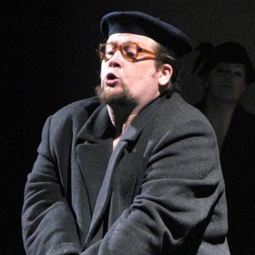 Лев Харламов на сцене Могилёвского драмтеатра