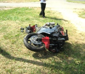 Разбитый мотоцикл