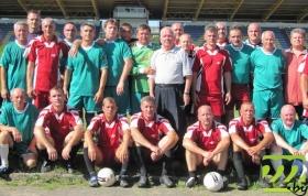 Стройные ряды футбольных ветеранов