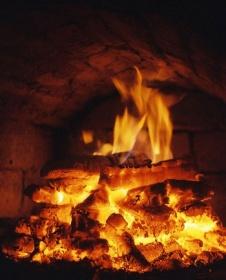 Огонь в жилом доме