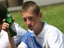 Подросток с пивом