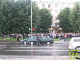 народные гуляния в сквере напротив облисполкома