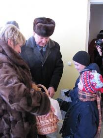 Пётр Рудник в детской SOS-деревне Могилёв