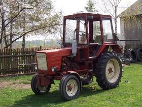 Лакомый трактор