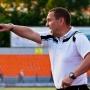 Олег Кубарев руководит игрой гомельчан