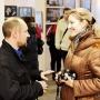 Участников выставки атакуют журналисты